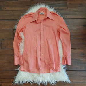 vintage 1970s salmon colored mens button up shirt